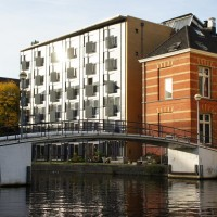 Pedestrian bridge at Amsterdam University