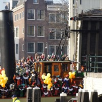 The steamboat of Sinterklaas passes through the Magerebrug