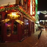 Maxim Cafe on the Korte Leidsedwarsstraat wrapped up for Christmas